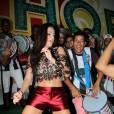 Carnaval 2016: Paloma Bernardi mostra barriga sequinha em ensaio da Grande Rio, nesta terça-feira, 12 de janeiro de 2016