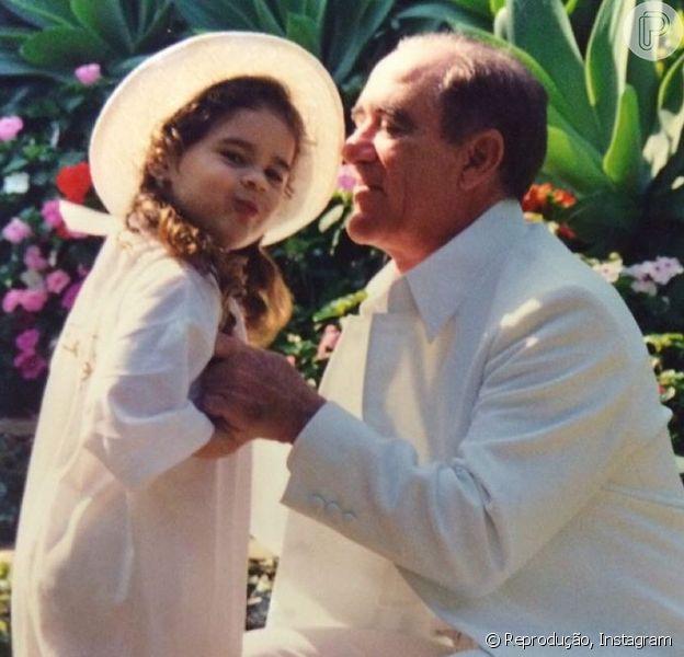 Lívian Aragão mostra foto antiga no aniversário do pai, Renato Aragão: 'Exemplo', nesta quarta-feira, 13 de janeiro de 2016