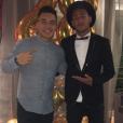 Neymar mais uma vez usando chapéu em evento