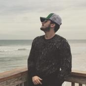 Luan Santana viaja de férias com a namorada, Jade Magalhães, para Orlando. Fotos