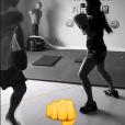 No Snapchat, Bruna Marquezine posta os treinos de muay thai, que faz junto de Fernanda Souza