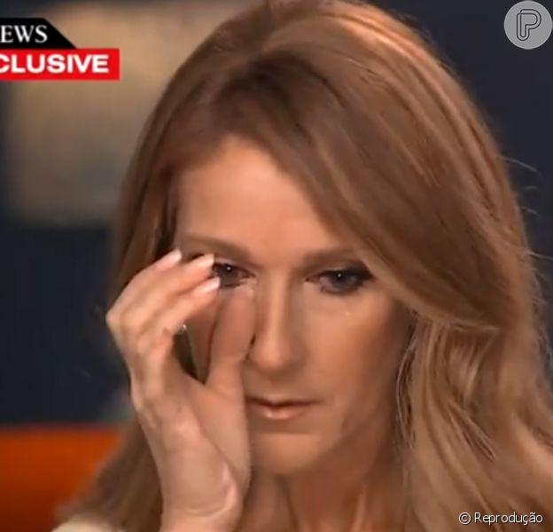 O irmão de Céline Dion - na imagem, em entrevista, em 2015 - , Daniel Dion, morreu no sábado, 16 de janeiro de 2016, dois dias após a cantora ter perdido o marido, René Angélil, ambos com câncer