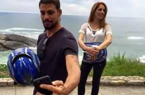 Cauã Reymond leva Poliana Abritta para passeio de moto no 'Fantástico'. Fotos!