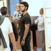 Rodrigo Simas brinca com sobrinho, Joaquim, e Felipe Simas no shopping. Fotos!