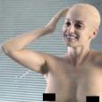 Penélope Cruz deixa os seios à mostra e surge careca em filme sobre câncer de mama