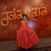 Mel Maia dança e é o xodó dos atores em festa de lançamento de 'Joia Rara'