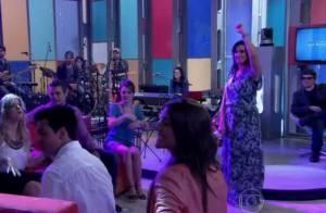 Fátima Bernardes dança coreografia de 'Gangnam Style' no palco do 'Encontro'