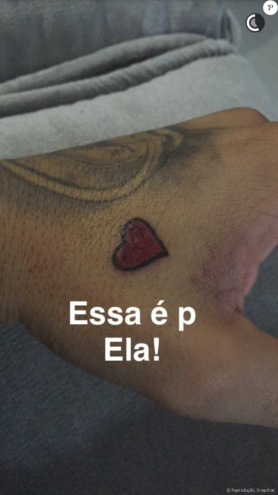 Fernando Medeiros homenageou a mulher, Aline Gotschalg, com duas tatuagens