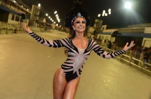 Sabrina Sato arrasa com fio-dental no ensaio técnico para Carnaval em SP. Fotos!