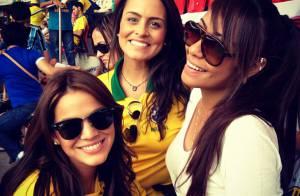 Bruna Marquezine torce por Neymar com irmã do namorado, Rafaella Santos: 'Bora!'