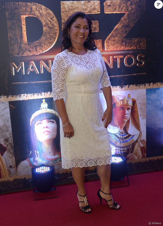 Angelina Muniz Nova a atriz angelina muniz foi ao lançamento de 'os dez