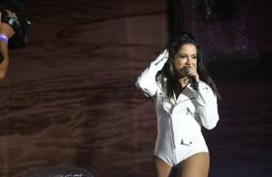 Anitta usa body comportado em show durante festival no Rio Grande do Sul