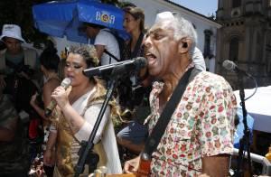 Carnaval 2016: Preta Gil reúne o pai, Carolina Dieckmann e mais famosos em bloco