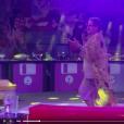 Dona Geralda caiu ao dançar na primeira festa do 'BBB16'