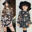 Com vestido florido, chapéu e botas pretas, Alice reproduziu visual de Camila Queiroz