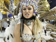 Carnaval: ex-BBB Natalia Casassola mostra demais em desfile no Rio