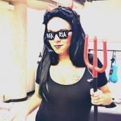 Maria Gadú se fantasia de Anitta para o Carnaval: 'Vulgar sem ser sexy'