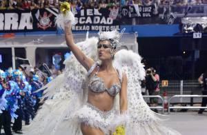 Carnaval: Thaila Ayala usa fantasia toda branca de coruja no desfile da Gaviões