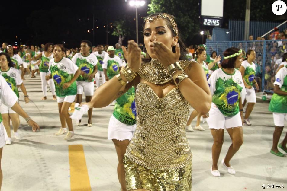 Anitta conta que já viveu amor de Carnaval: 'Atrás de mim até hoje'