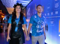 Thaila Ayala chega de mãos dadas com o namorado, Adam Senn, em camarote do Rio