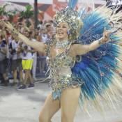 Cláudia Raia desfila no Rio e alfineta: 'Beija-Flor não vive de celebridades'