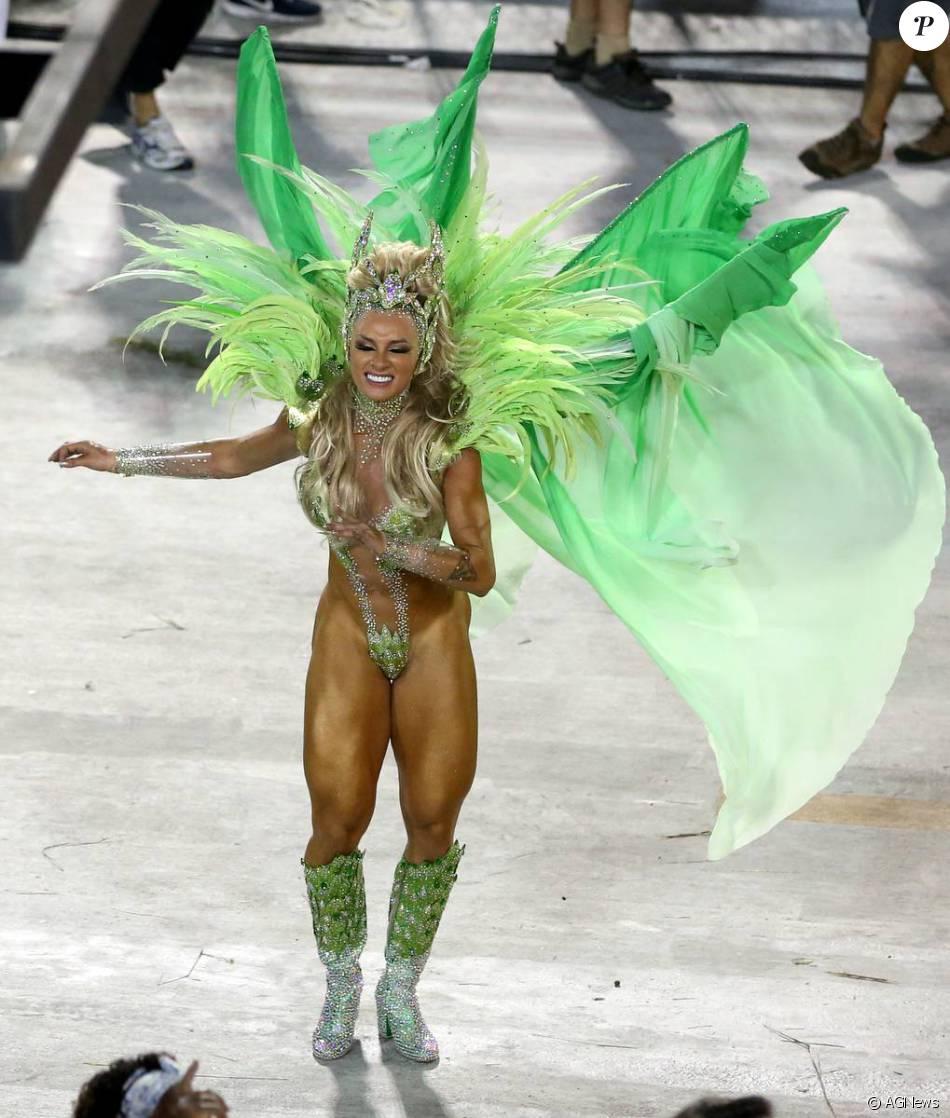 Juju Salimeni desfilou pela primeira vez como musa da Unidos da Tijuca nesta segunda-feira de Carnaval, 8 de fevereiro de 2016
