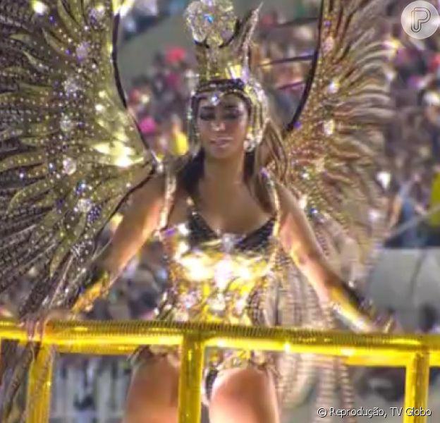 Rafaella Santos desfilou como destaque do carro Bola de Ouro na Grande Rio, nesta madrugada de segunda-feira, 8 de fevereiro de 2016