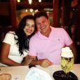 Mariana Rios e o pai, Alonson, no aniversário dele, na última segunda-feira (16)