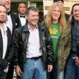 Iron Maiden na première do filme 'Iron Maiden: Flight 666', em 2009. O documentário acompanha a primeira parte da turnê 'Somewhere Back In Time World Tour', que levou a banda a percorrer 70 mil quilômetros ao redor de cinco continentes