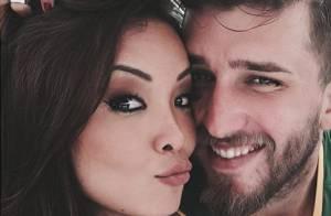 Carol Nakamura festeja 10 meses de namoro com jogador Aislan Lottici: 'Amor'