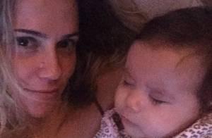 Deborah Secco festeja 3º mês da filha, Maria Flor: 'Melhor do que meus sonhos'