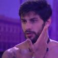 Renan afirma para Matheus que seu rosto ficou ardendo depois dos tapas de Ana Paula