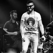 Belo volta à turnê 'Gigantes do Samba' com cachê reduzido: 'Pelos meus fãs'