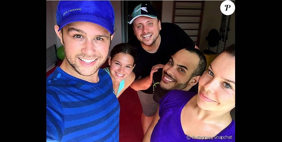 Bruna Marquezine e Fernanda Souza aderiram às aulas de dança com Justin Neto nesta quarta-feira, dia 9 de março de 2016