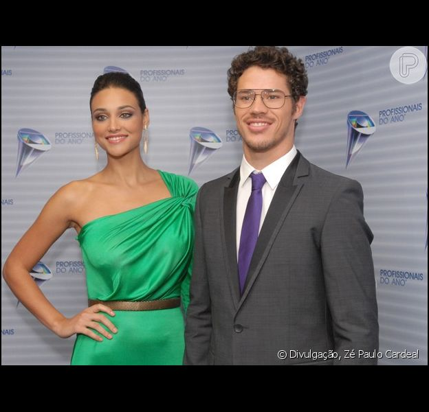 José Loreto diz, em entrevista publicada em 25 de setembro de 2013, que não quer pular fases com Débora Nascimento