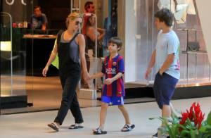 Carolina Dieckmann viaja para fora do Brasil com a família: 'Miami'
