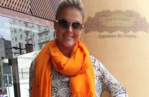 Ana Hickmann se afasta do  Programa da Tarde  para divulgar sua marca de  óculos f215a3d49f