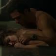 Angel e Alex, interpretados por Camila Queiroz e Rodrigo Lombardi, protagonizaram cenas de sexo em 'Verdades Secretas'