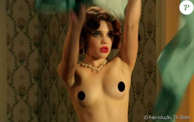 milf surprised nude pics