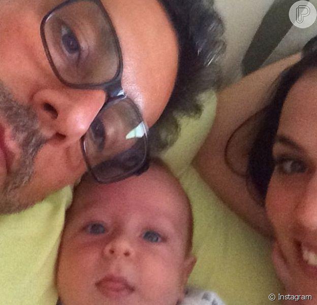 Alexandre Nero posta foto ao lado do filho, Noá, e da mulher, Karen Brusttolin, nesta terça-feira, 15 de março de 2016