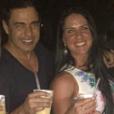 Zezé Di Camargo e Graciele Lacerda estão com um grupo de amigos em Jericoacoara, no Ceará