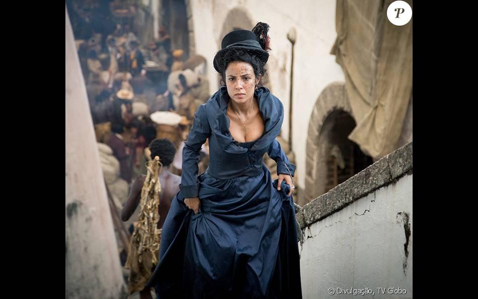Andreia Horta e o elenco da novela 'Liberdade, Liberdade' têm que deixar os pelos crescerem e a sujam as unhas e dentes para a caracterização da trama, que estreia em 12 de abril de 2016