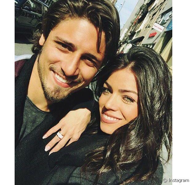 Daniel Rocha está curtindo viagem com a namorada, a dermatologista Laíse Leal, em Nova York, nos Estados Unidos