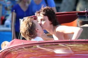 Débora Falabella grava cenas de beijo para série 'Nada Será Como Antes'. Fotos!