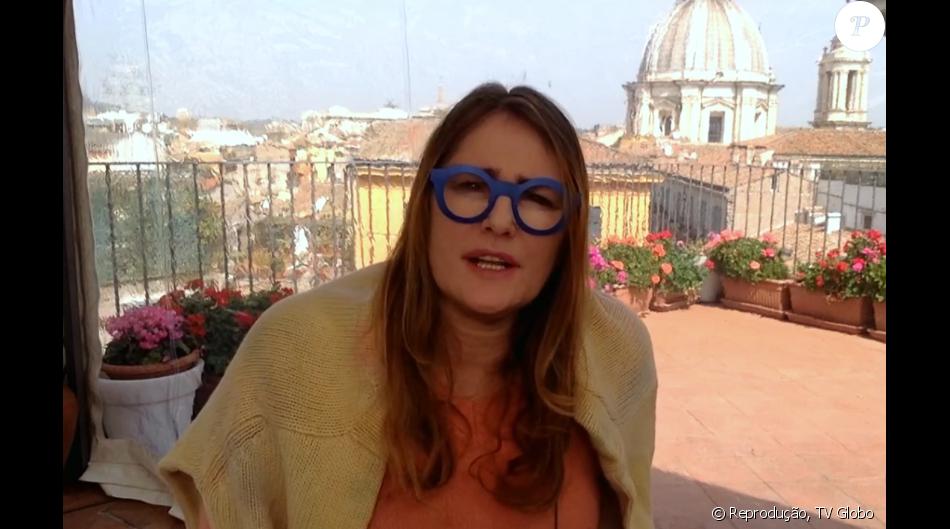 6d513e245a2ba Óculos azuis de Ilze Scamparini ao falar de atentado são criticados ...