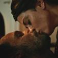 Carol Castro foi elogiada pelas cenas ousadas ao lado de Rodrigo Santoro em 'Velho Chico'