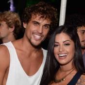 Aline Riscado e Felipe Roque assistem show de Mart'nália após assumirem namoro