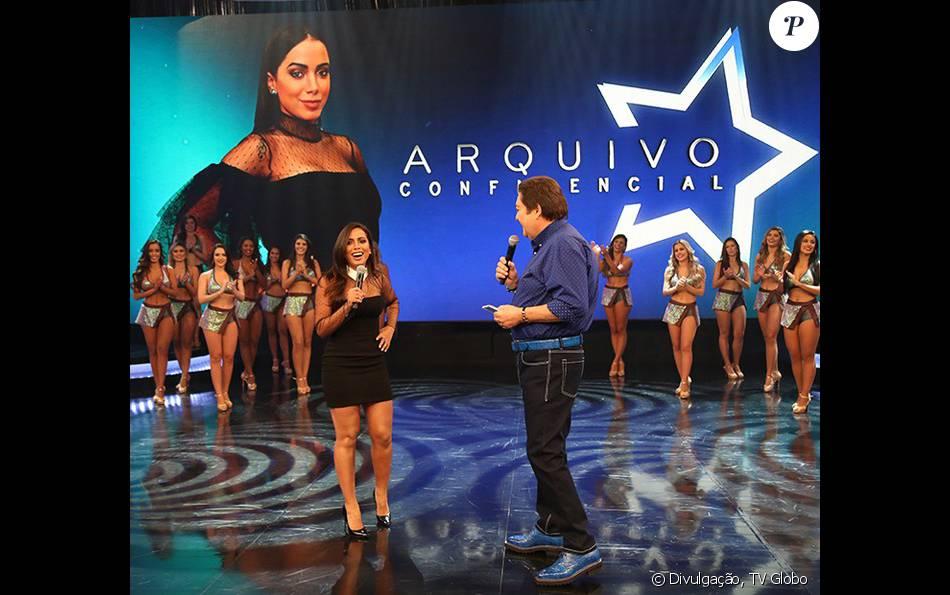 """Anitta recebe convite de Aguinaldo Silva para fazer novela, no """"Arquivo Confidencial"""", no """"Domingão do Faustão"""", em 27 de março de 2016"""