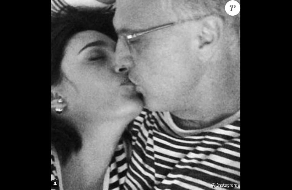 Pedro Bial foi surpreendido com uma homenagem da mulher, Maria Prata, nesta terça-feira, 29 de março de 2016