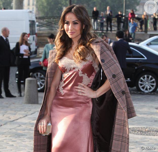 Sabrina Sato prestigia o desfile da Louis Vuitton na Paris Fashion Week, em 1º de outubro de 2013